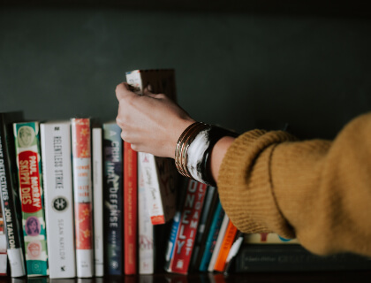 Best Books to Read before Starting a T-shirt Business